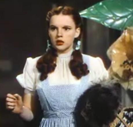 Judy-Garland-as-Dorothy.jpg
