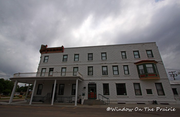 Weaver Hotel in Waterville, KS