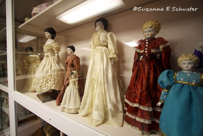 Antique_Dolls01